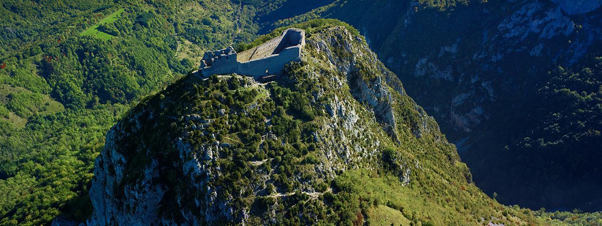 Château Cathare en ruine - cathar castle ruins - Castillo cátaro en ruinas